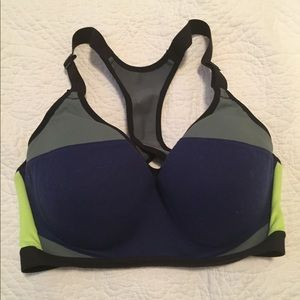 Victoria Secret Pink sports bra size 32DD